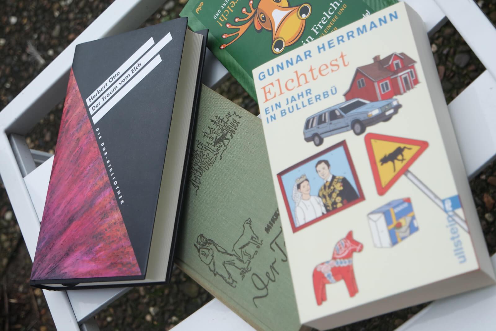 Ein Sammlung von Büchern über Elche
