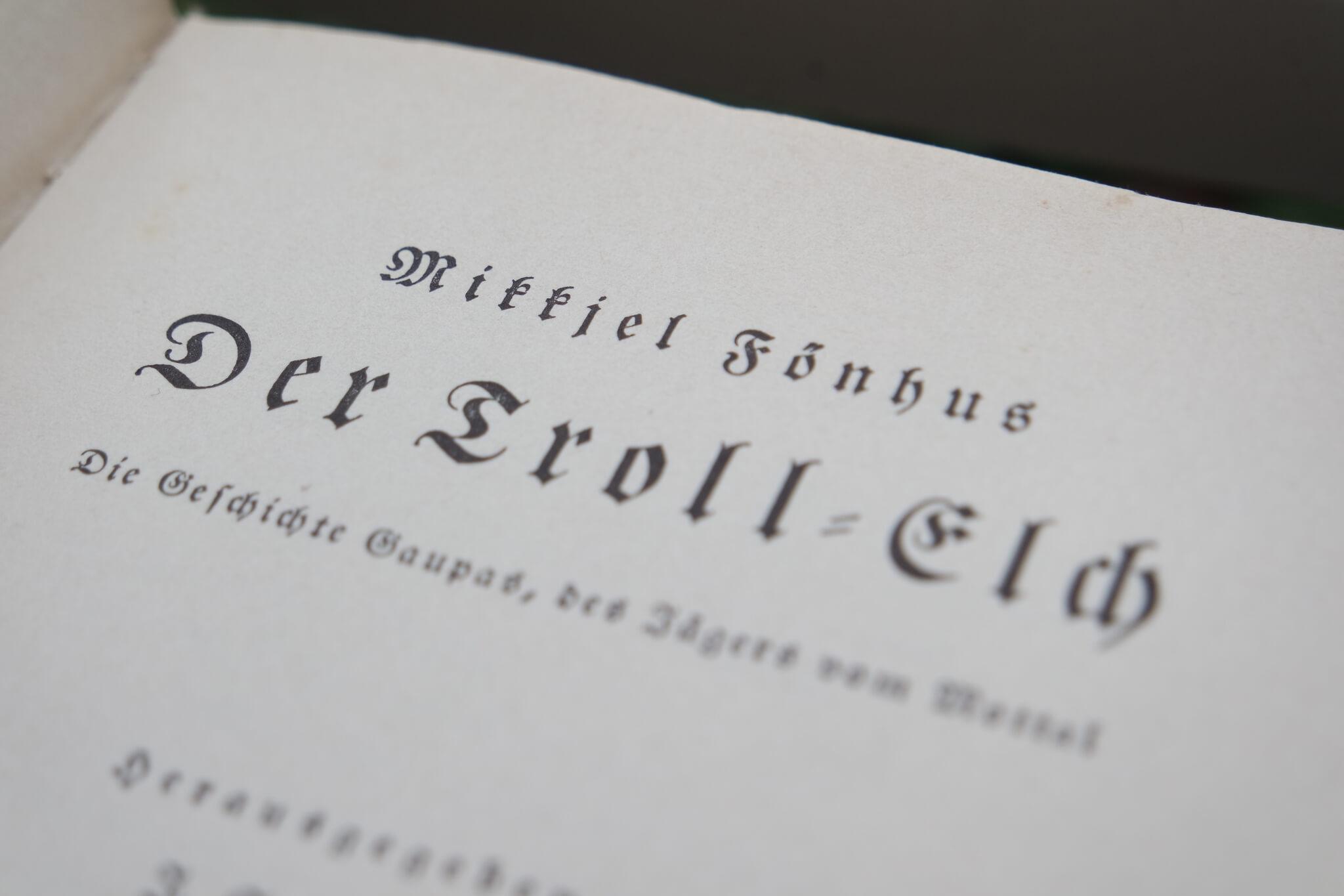 Erste Seite des Buches der Troll - Elch