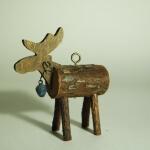 Ein Elch aus unbehandeltem Natur Holz