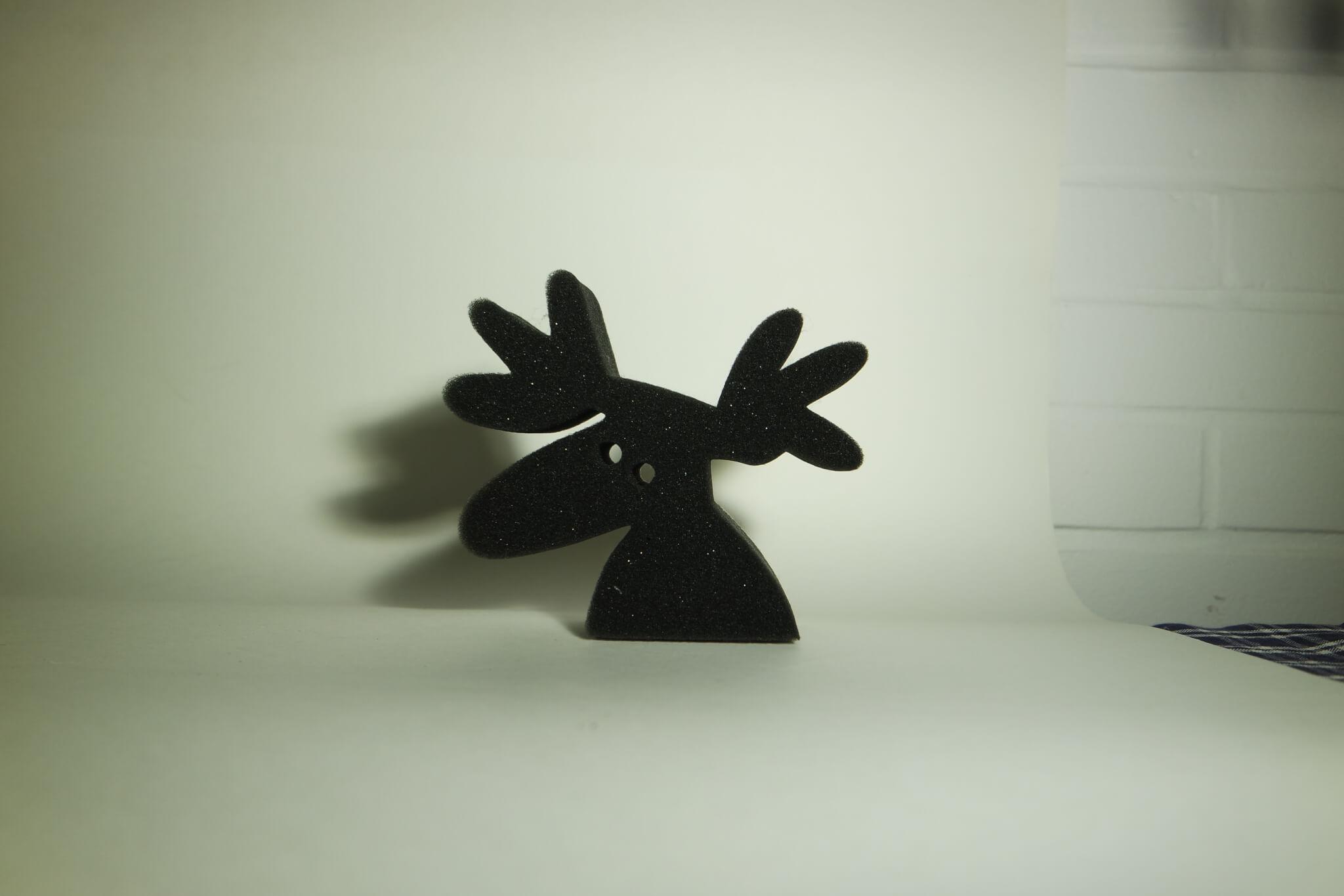 Schwarzer Elchkopf aus Schaumstoff