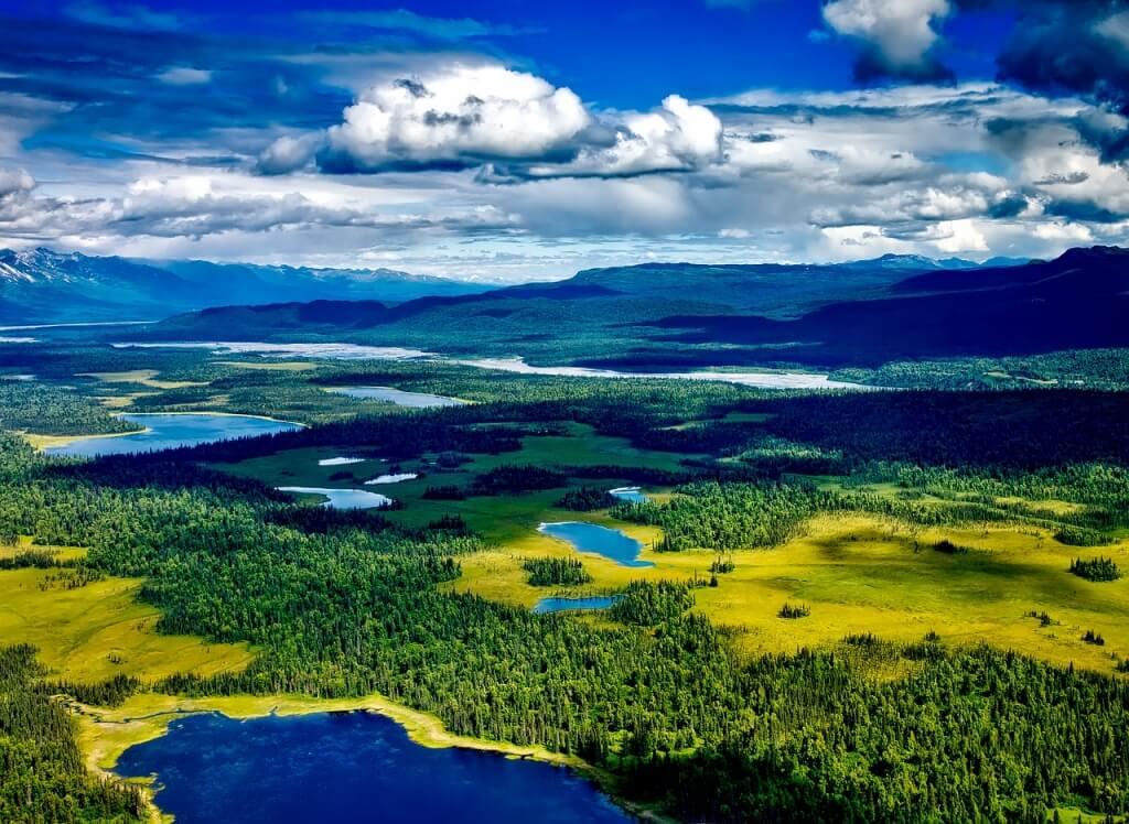 Der Denali-Nationalpark aus der Luft betrachtet